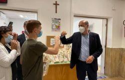 Covid, Zingaretti visita Hub vaccinazioni Acea e Primavalle