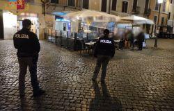 Movida violenta, giro di vite delle polizia, decine di locali controllati