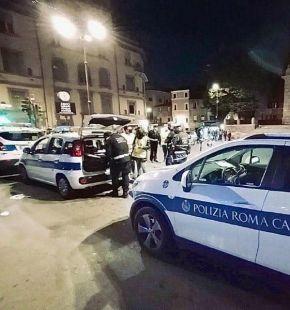 Ostia, la lunga notte del week end in zona gialla, tutti in strada e scontro tra bande in piazza Tor San Michele