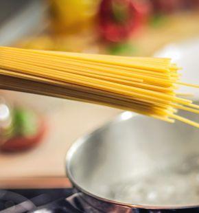 Il Covid cambia le abitudini alimentari, a pasta diventa il piatto più cucinato a cena