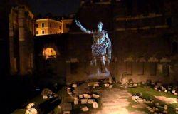 Foro Augusto illuminato per spettacolo multimediale
