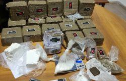 Roma: sequestrati 17 kg di droga tra hashish e cocaina
