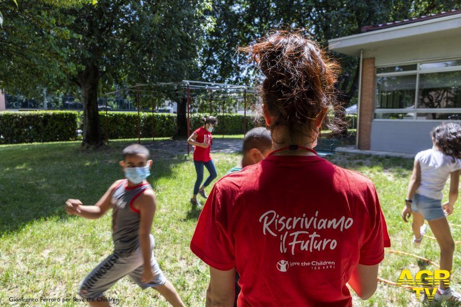 Save the Children,  Riscriviamo il Futuro,