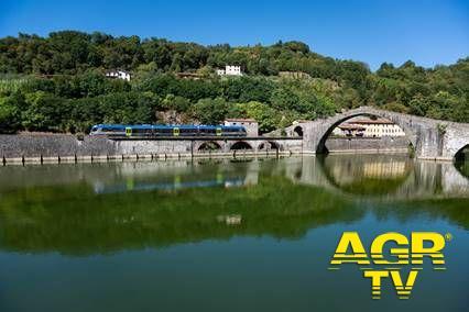 Gruppo Ferrovie dello Stato L'estate è Trenitalia: presentata la Toscana in treno