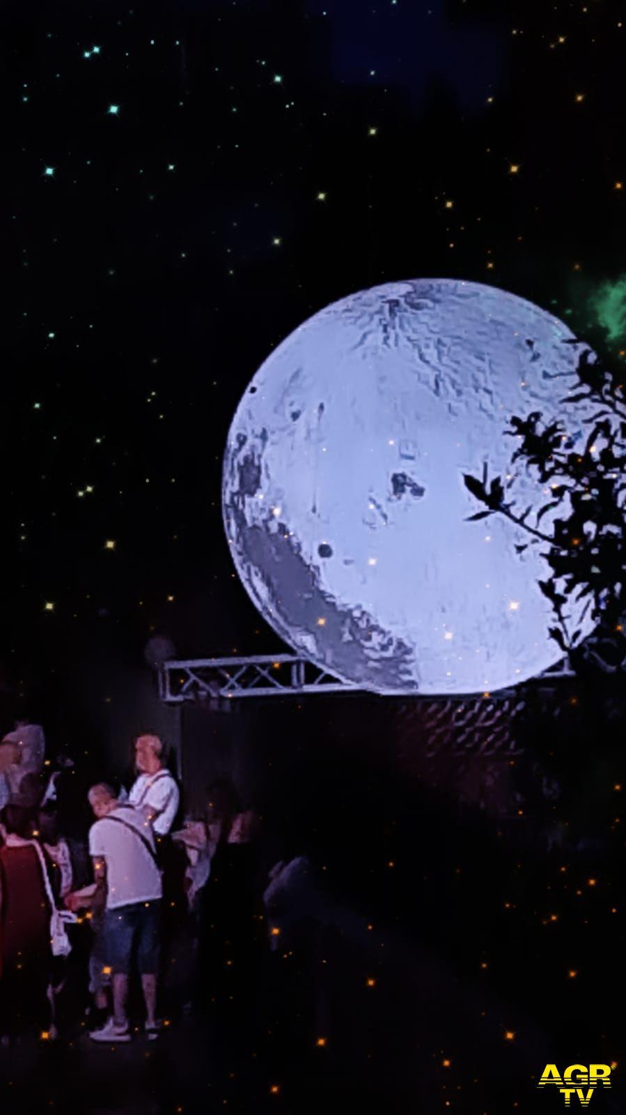 La luna nel cortile