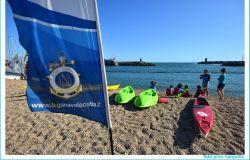canoisti lega navale sulla spiaggia