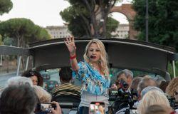 Emanuela Panatta per il teatro sul bus