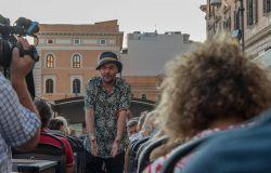 L'attore Coscarella sul teatro bus
