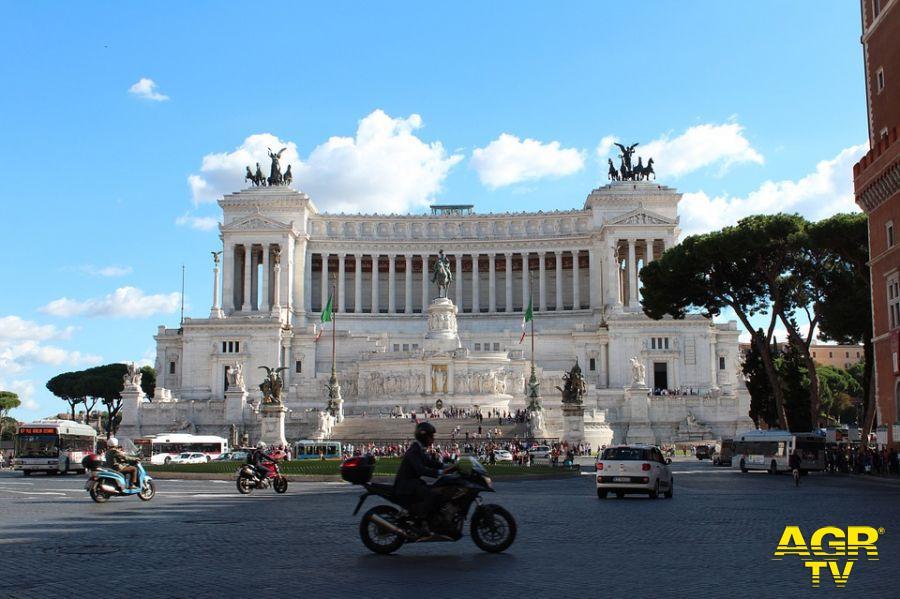 Roma, conferita cittadinanza onoraria a Liliana Segre, a Manuel Bortuzzo e al Milite Ignoto