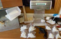 Cocaina ed armi, tre fratelli pregiudicati in manette