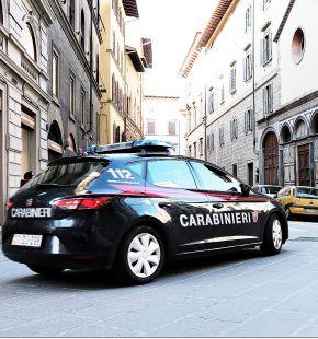 Traffico di scarti tessili, a Prato la via degli stracci, 19 persone coinvolte
