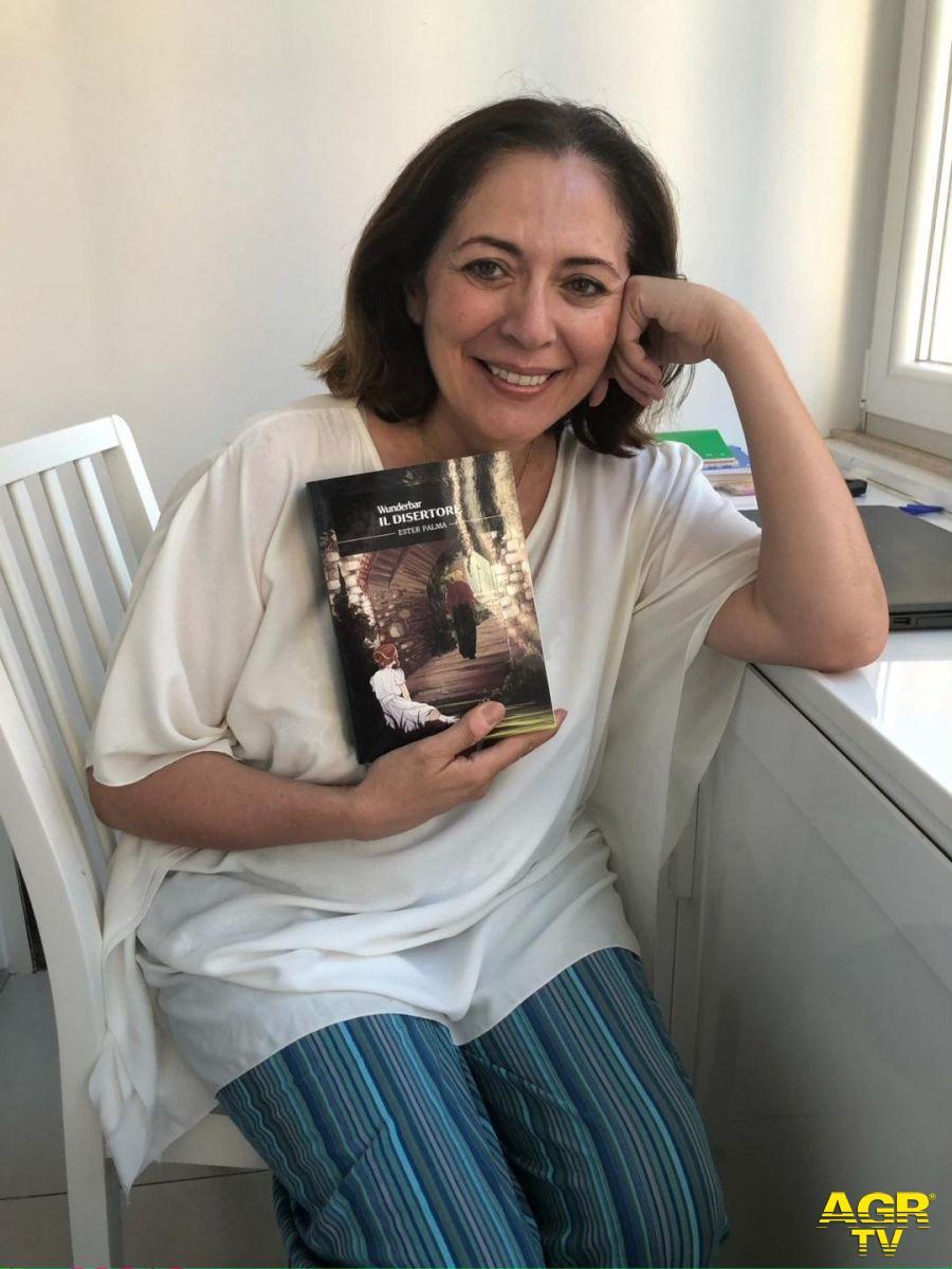 Ester Palma con il suo ultimo libro
