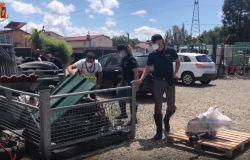 Officina abusiva e discarica a cielo aperto scoperte dalla Polizia di Stato vicino alle Cascine