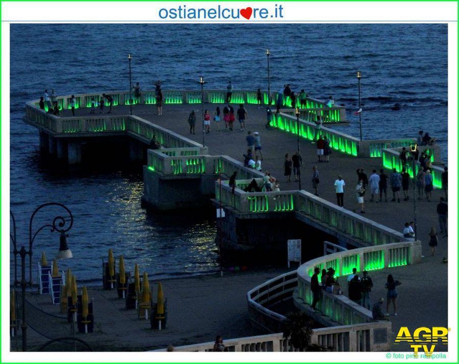 il pontile di ostia illuminato