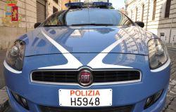 Roma - Polizia di Stato - Intervengono per un malore a casa della madre e trovano il figlio con quasi 1 kg. di hashish