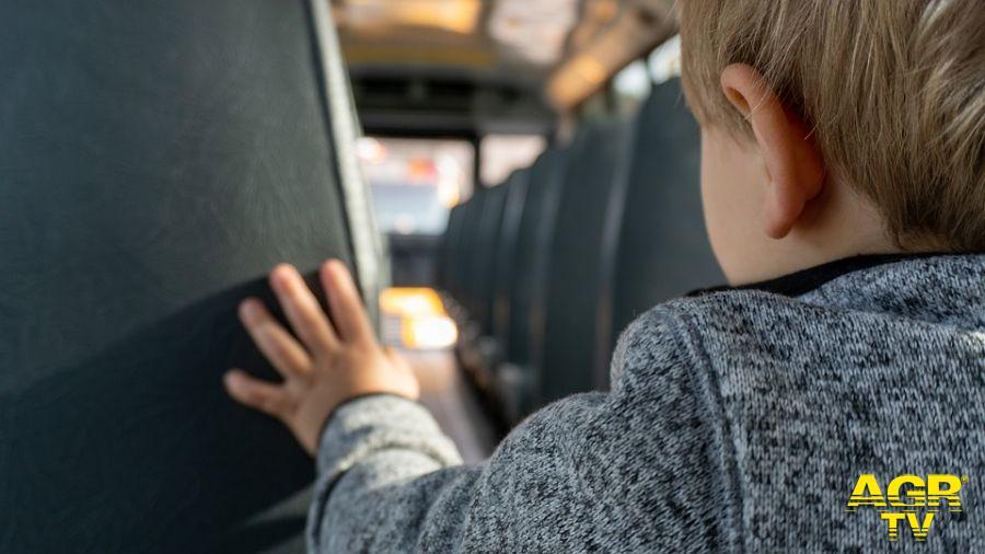 X Municipio, trasporto scolastico per i ragazzi disabili, stipendi in ritardo, servizio a rischio