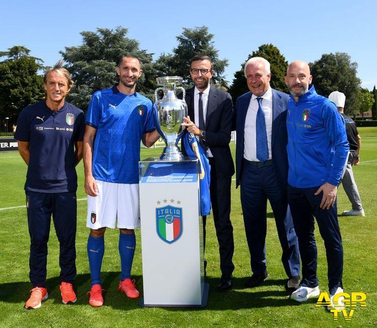 Regione Toscana A Coverciano Giani e Mazzeo premiano l'Italia campione d'Europa