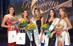 Falvia Cappelli, Anna Lu Passerini, Giada Stabile, Katrine Quaratino e Nicoletta Pentrell