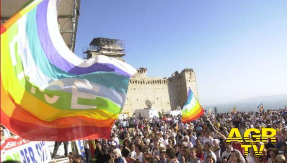 14 ottobre 2001 - marcia della pace Perugia-Assisi -Cibo, acqua e lavoro per tutti