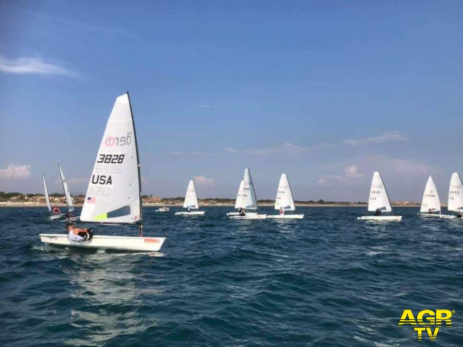Vela, ai Campionati italiani RS Aereo, partenza lanciata degli atleti del Tognazzi Marine Village