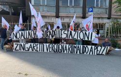 La Roma-Lido non si tocca...prosegue ad Ostia la mobilitazione dei cittadini contro la chiusura di tre stazioni