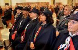le donne carabiniere dell'associazione durante cerimonia