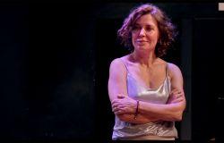 """Sabina Guzzanti al Cinema Stensen presenta """"Spin Time"""". Il documentario racconta un palazzo occupato da 400 persone a Roma"""