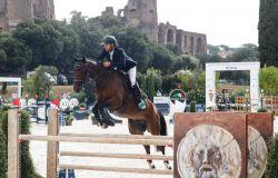 Equitazione, al Circo Massimo il cavaliere marchigiano Massimo Reboldi conquista il Medium tour