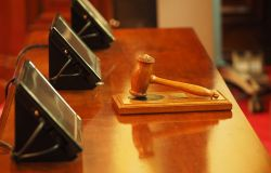 Sentenza storica della Corte d'Appello: orfano dell'amianto non a carico equiparato a vittima del dovere