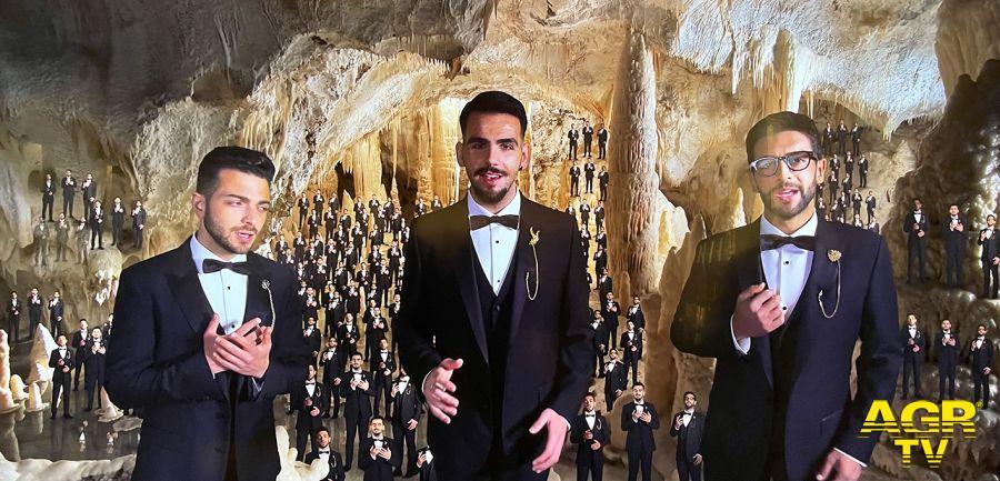 Il volo alle Grotte di Frasassi