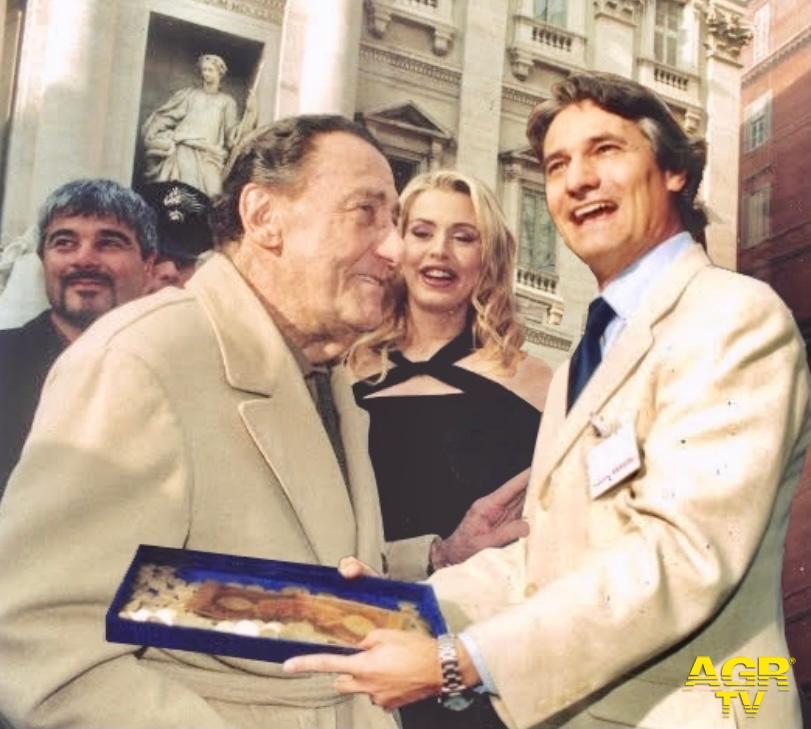 Sandro Sassoli con Alberto Sordi