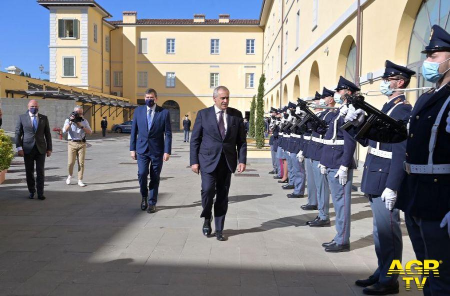 Questura di Firenze Intitolata a Fausto Dionisi la Caserma della Polizia di Stato di Lungarno della Zecca Vecchia