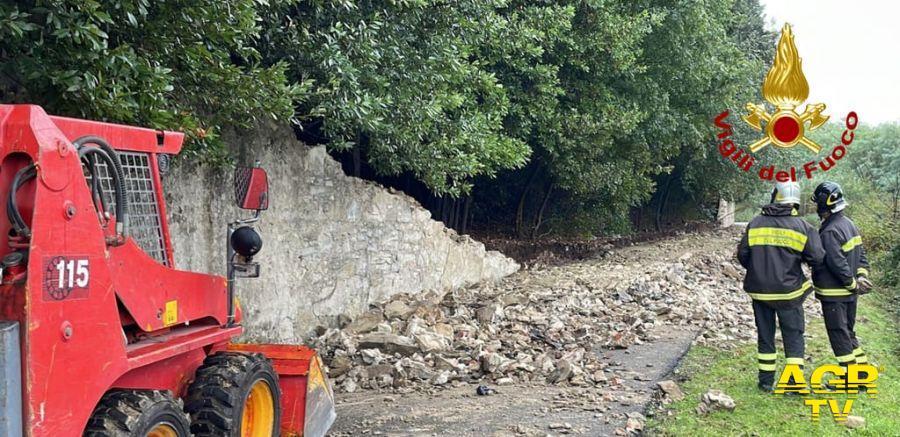 Comune di Calenzano Calenzano. Crolla un muro: una donna ferita  Il muro crollato in via Dietropoggio