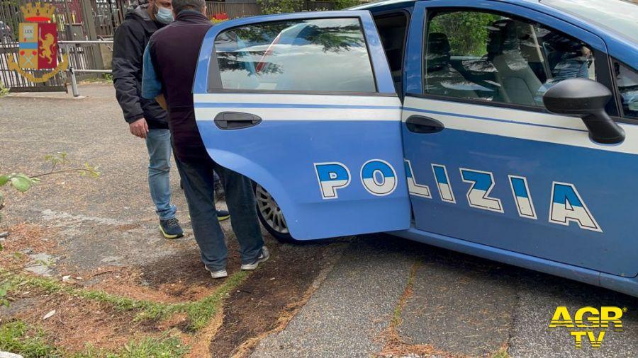 Roma, truffa dello specchietto ad una coppia di anziani, due arresti