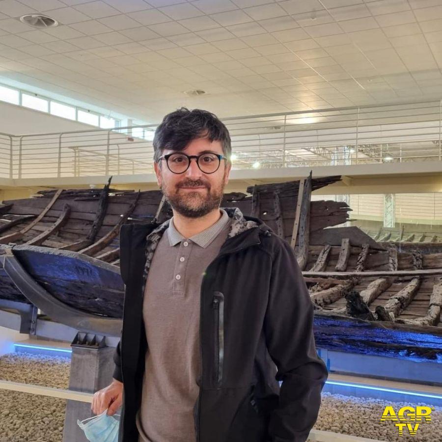 consigliere comunale Petrillo in visita al museo delle navi