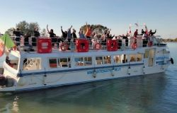 Tevere day,  migliaia di persone sulle sponde per testimoniare il proprio amore al biondo fiume