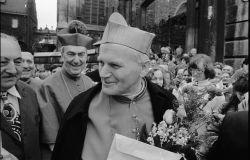 Giovanni Paolo II da Cracovia a Roma, negli scatti di Adam Bujak
