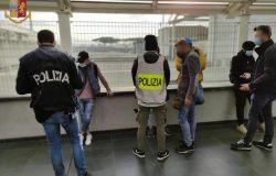 Casilino, giro di vite della polizia, un arresto, multe e sequestri