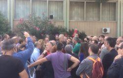 Fiumicino, tutto il Consiglio comunale in aeroporto a fianco dei lavoratori Alitalia