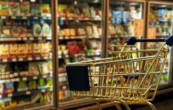 Unione Consumatori, sale il carrello della spesa