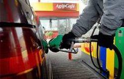 Federconsumatori, benzina boom.... ma pesa una tassazione eccessiva
