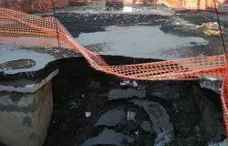 Voragine di Napoli, allarme dei geologi, anche Roma rischia